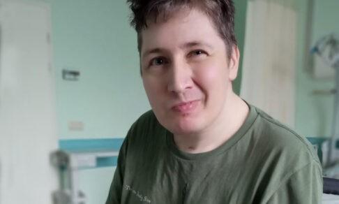 Доктор чуть не умер из-за ошибки коллег. Денису удалили селезенку, инфекция дошла до мозга