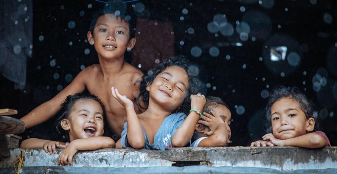 Сезон дождей и материнская любовь: лучшие работы фотоконкурса «Наш мир прекрасен»