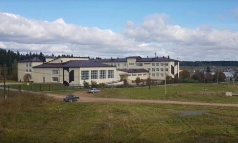 В Пермском крае 12-летний мальчик открыл стрельбу в школе. Его остановила директор