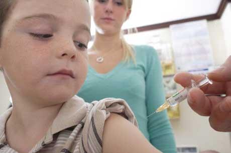 Какие прививки надо делать ребенку а какие нет