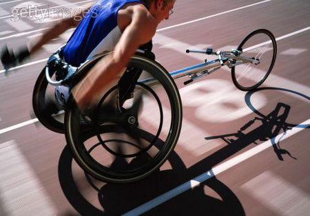 Инвалиды инвалидность люди с ограниченными возможностями А заодно старые модифицировать так на всякий случай Бытиё определяет сознание Под инвалидов сейчас оборудовано практически всё везде